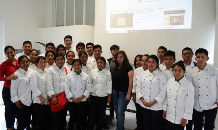 Compartimos experiencias con estudiantes de la UTVCO