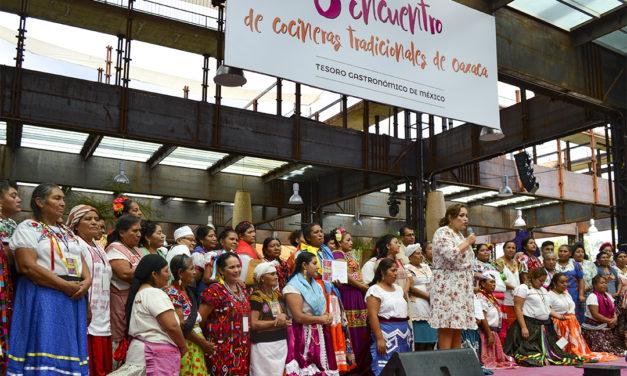 Premian como maestras cocineras por platillo de salvaguarda y platillo ceremonial