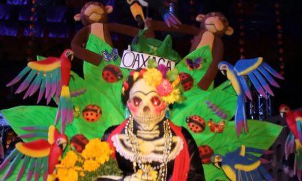 Los disfraces en Oaxaca en la celebración de Muertos