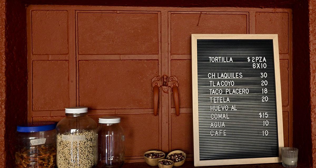 Desayuno auténtico oaxaqueño en tortillería Moneda